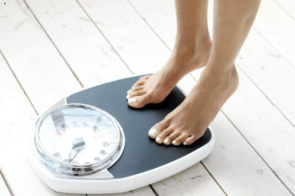 допомагає схуднути