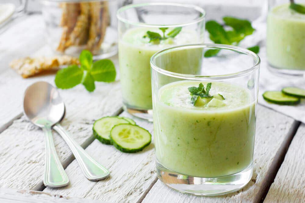 Неймовірні переваги огіркового соку