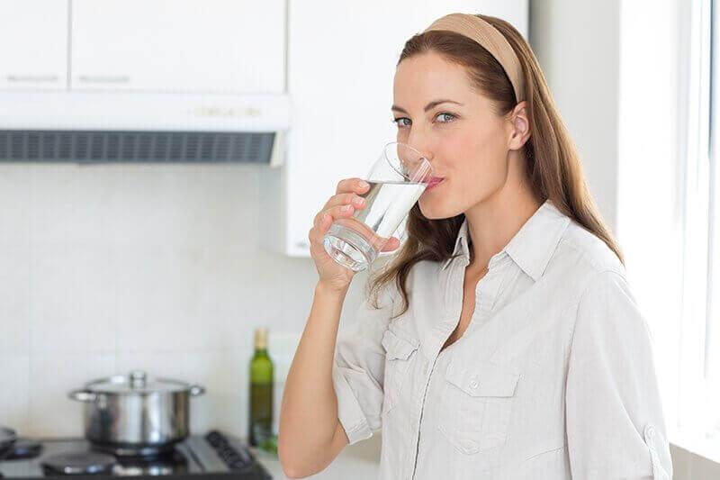 пийте воду, щоб позбутися каменів у нирках