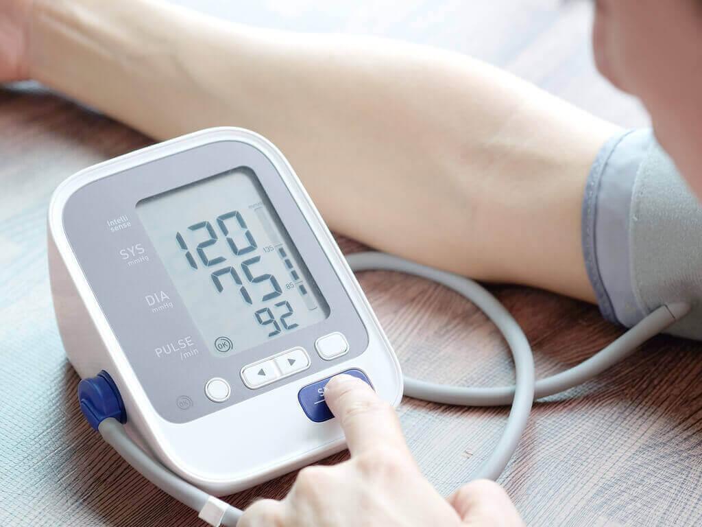 тонометр для вимірювання кров'яного тиску
