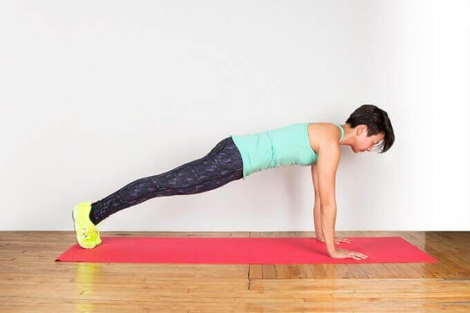 відтискання для тонусу м'язів спини