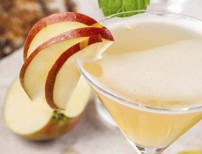 яблучний сік допомагає зменшити живіт