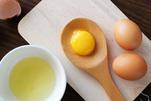 маска для волосся на основі яєць