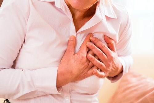 що викликає серцевий напад у жінок
