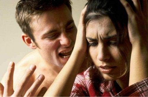 6 симптомів того, що ви жертва словесного насильства