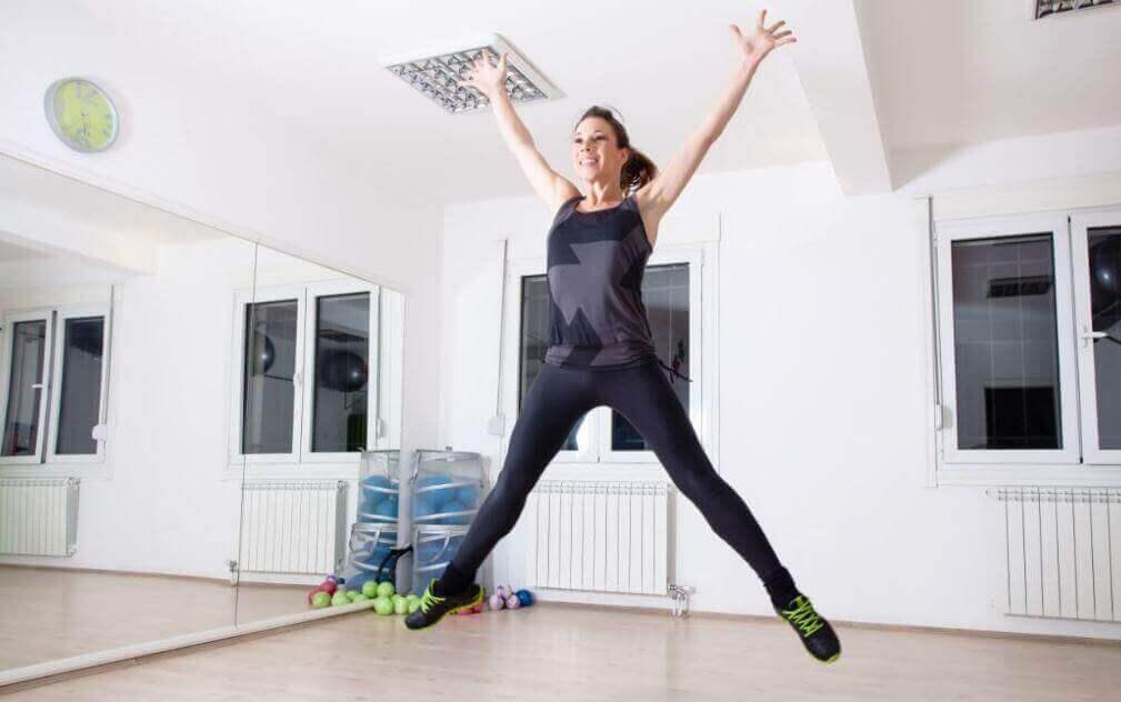 прості вправи для гарної форми