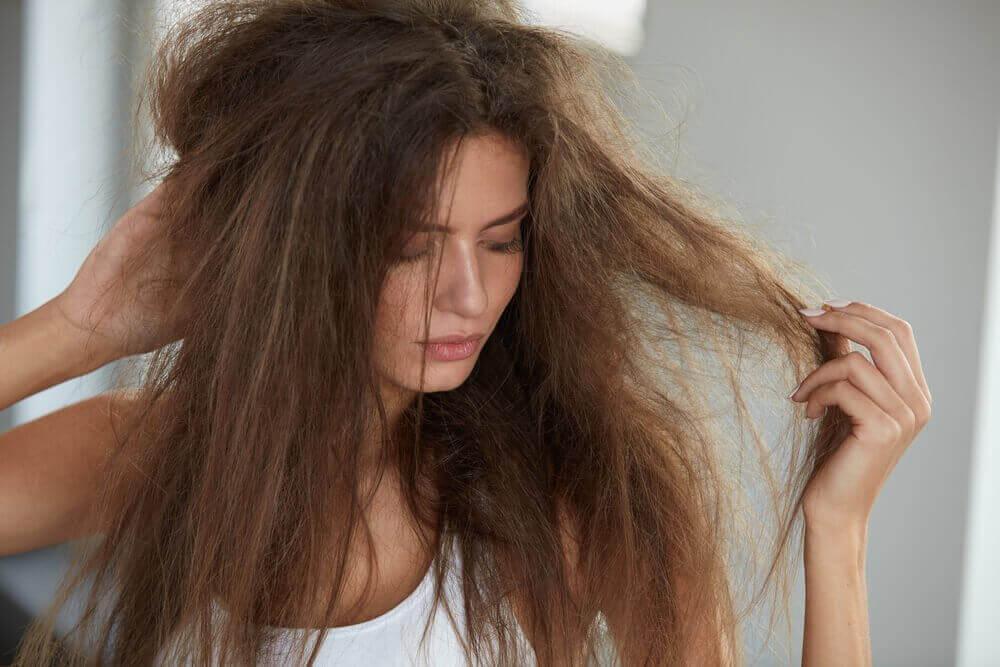 Натуральні засоби для зволоження волосся. 5 рецептів