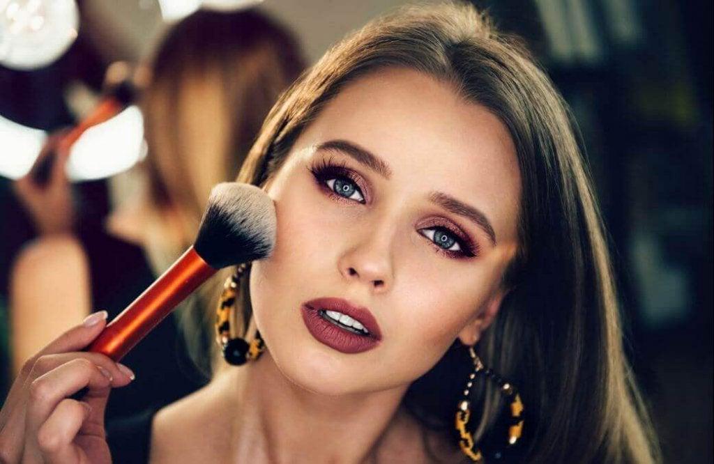 Поради, як наносити макіяж, для новачків