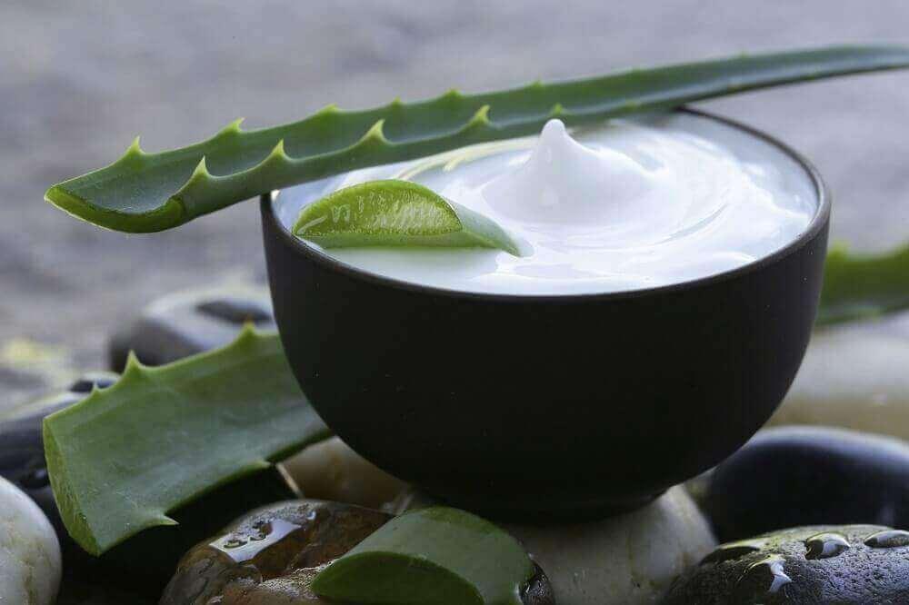 зволожувальний засіб для волосся з алое вера та кокосового молока