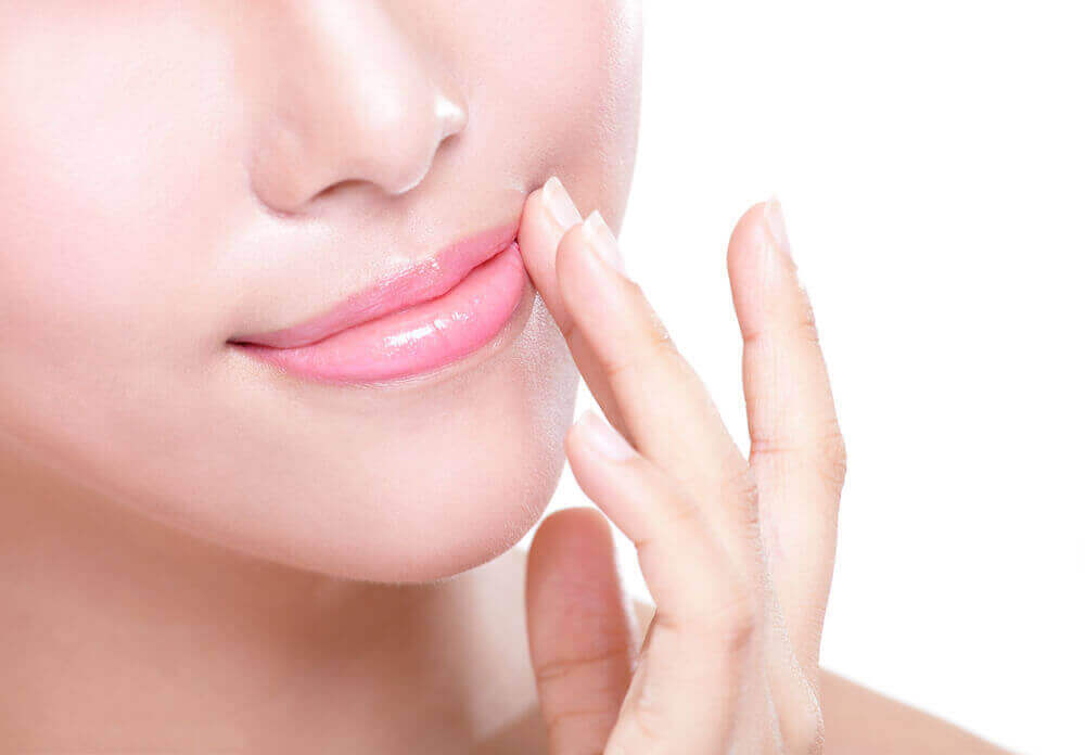 бальзам для губ допоможе уникнути тріскання губ