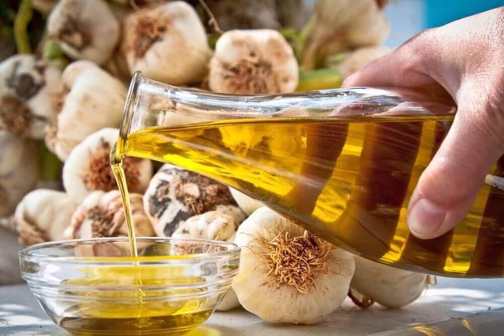 оливкова олія та часник для лікування гіпертонії