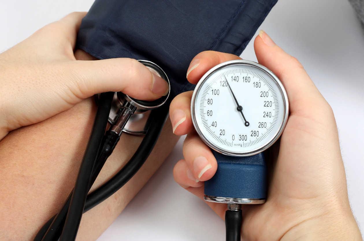 5 засобів, як контролювати високий артеріальний тиск