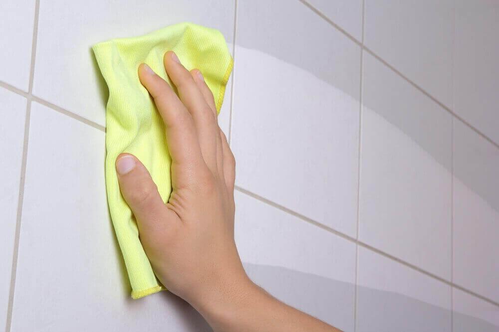 дезінфекція кахелю у ванній кімнаті
