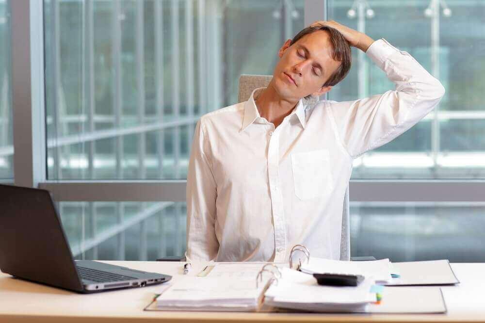 домашні вправи для полегшення болю в шиї