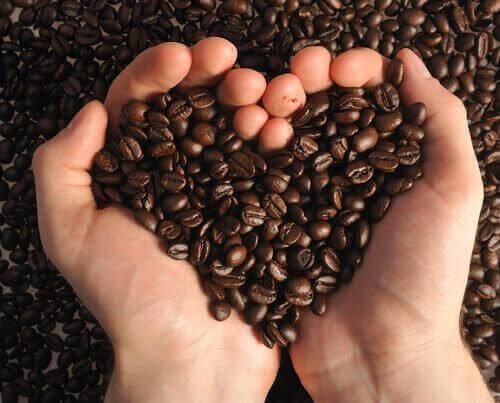 натуральні домашні скраби з кавою