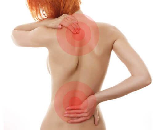 які хвороби викликають біль у спині