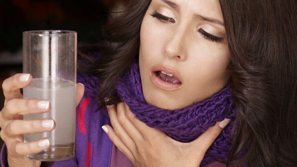 ознаки раку горла - хриплість та зміни у голосі
