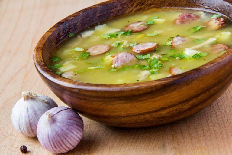 Як приготувати смачний суп з шинкою серрано