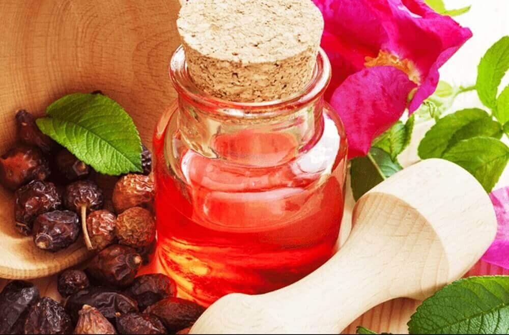олія з насіння дерева ші та солодкої білої троянди