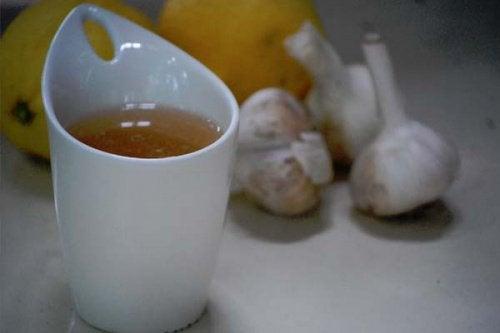 Часниковий чай від м'язового болю