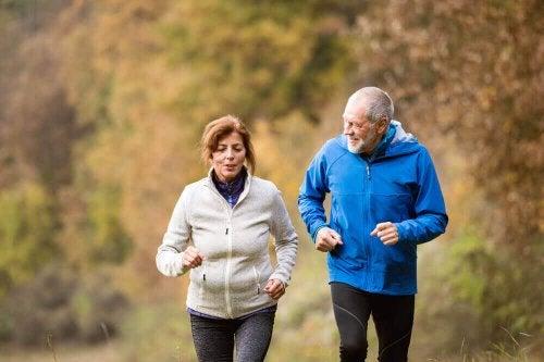 Чотири важливі вправи для старших людей