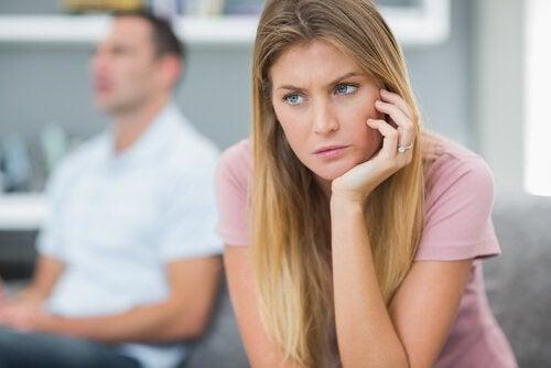 незрілі люди не висловлюють емоції