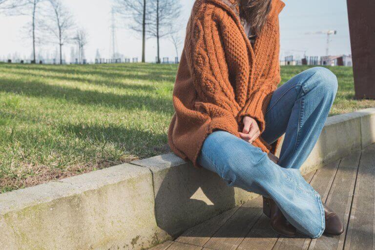 Чому джинси-кльош знову у моді?