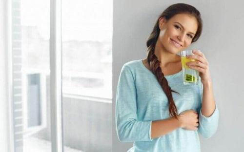 Дізнайтеся, що таке лимонна дієта та чому вона корисна для здоров'я