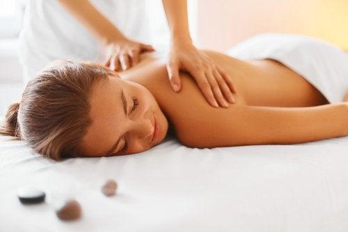 масаж для очищення лімфатичної системи