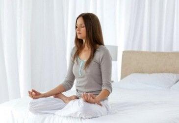 позбутися негативних думок з медитацією