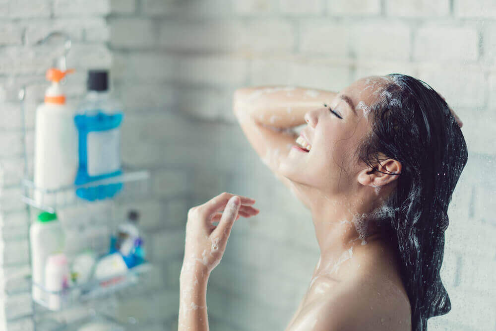 гарячий душ для хворого горла