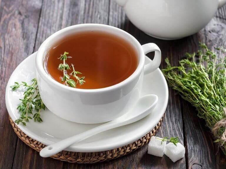 Чай з чебрецю для детоксикації товстої кишки
