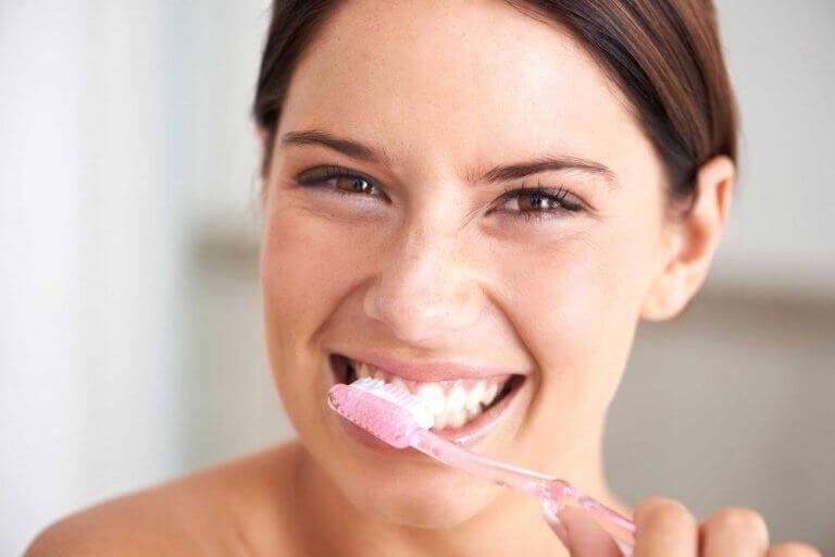 засоби для лікування карієсу та зміцнення зубів