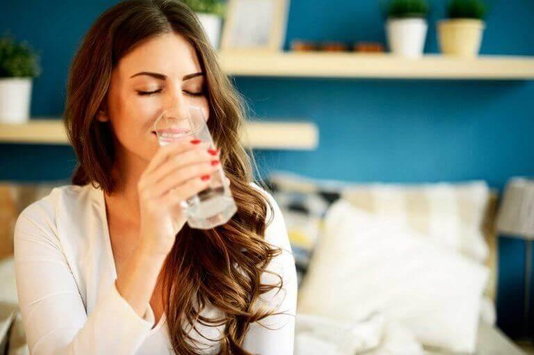 пийте воду, щоб контролювати гастрит