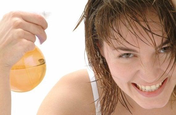 способи освітлення волосся яблучним оцтом