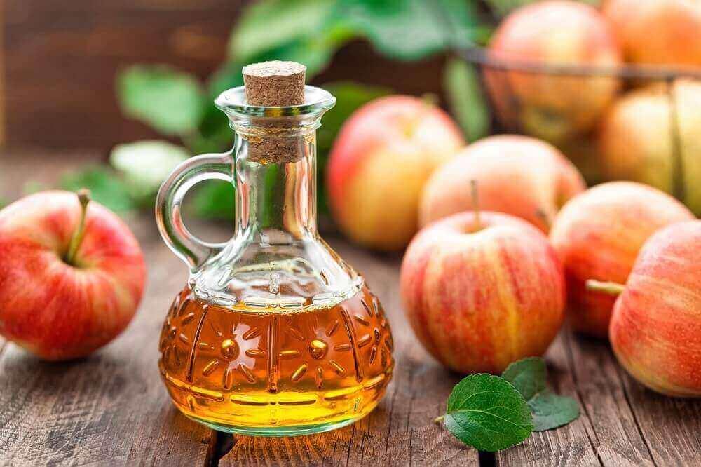 Яблучний оцет усуває біль у п'ятці