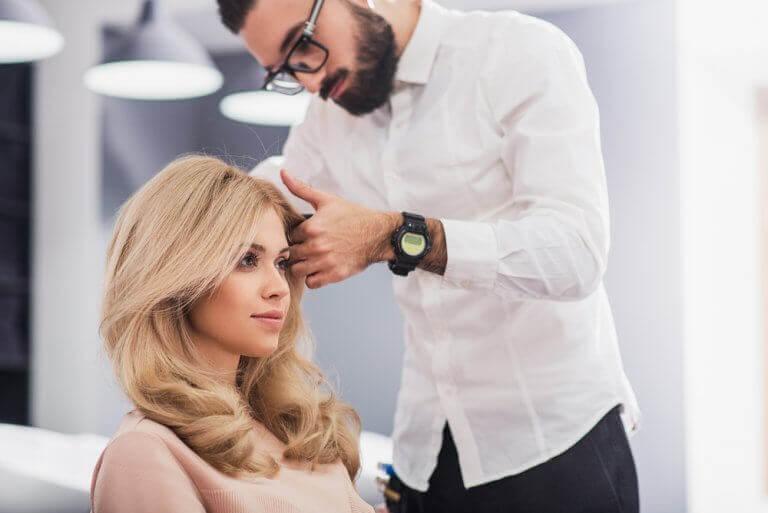 покращити зовнішній вигляд за допомогою зачіски