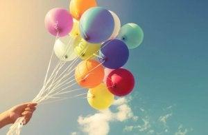 16 найкращих способів прикрасити повітряними кулями