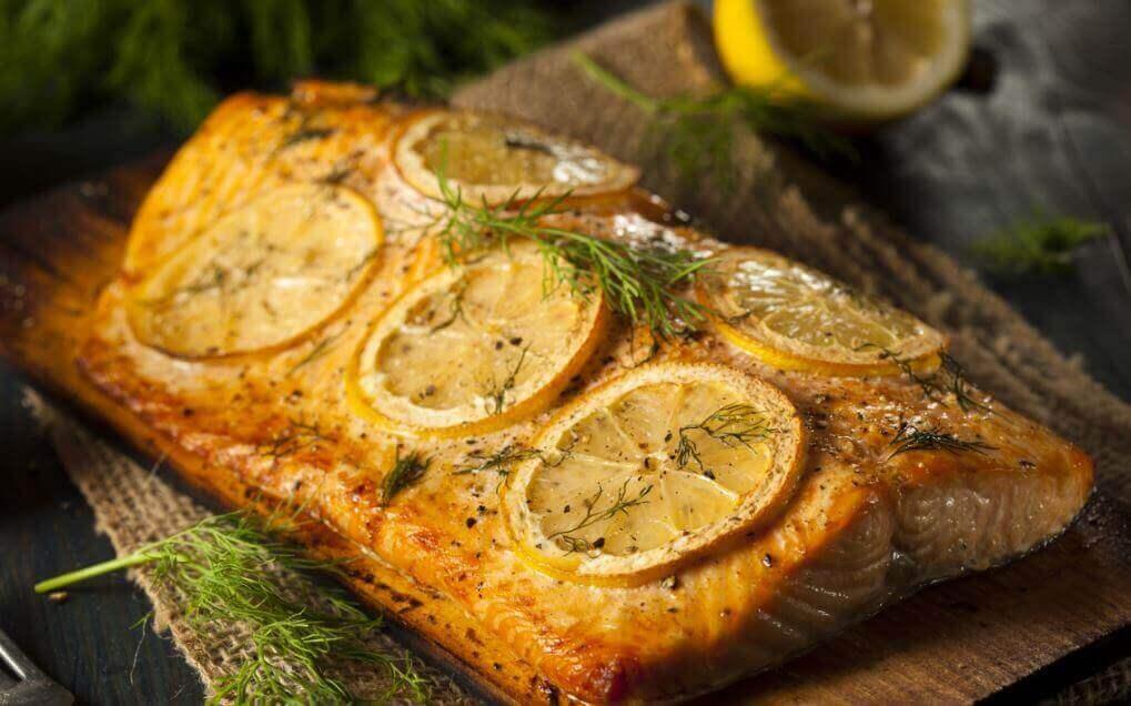 лосось у лимонному соусі з кропом