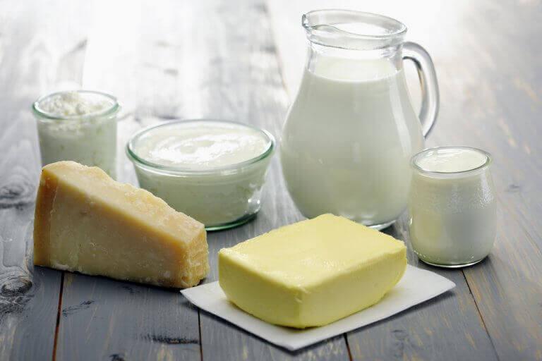 молоко та молочні продукти