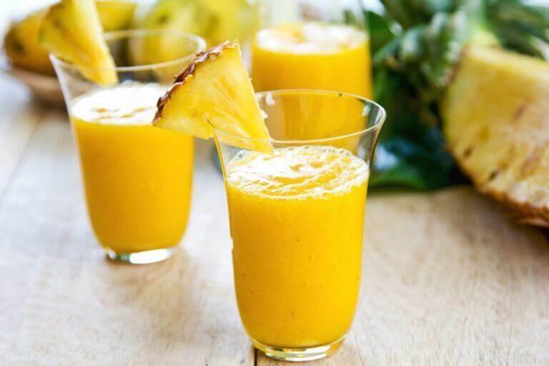імбирний коктейль з ананасом