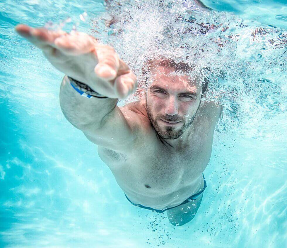 які переваги плавання