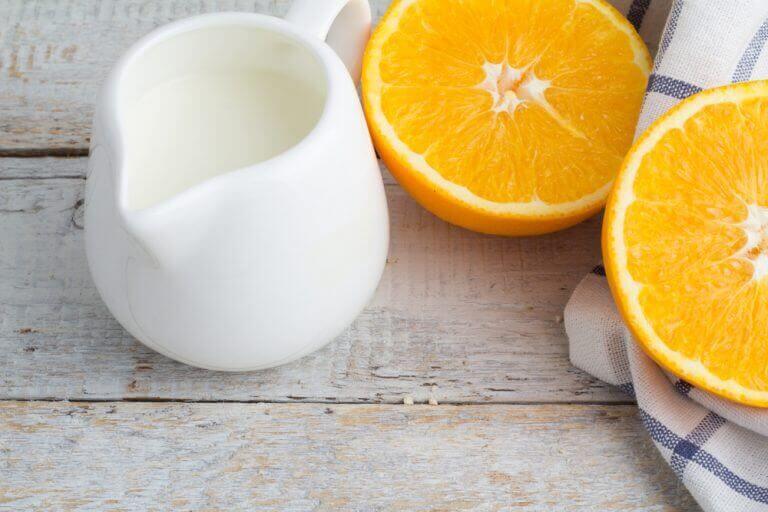 Апельсинова шкірка та молоко від пігментних плям на руках