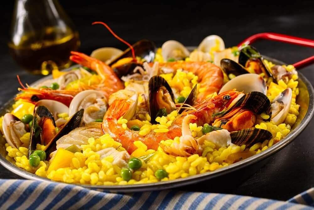 приготування паельї з морепродуктами
