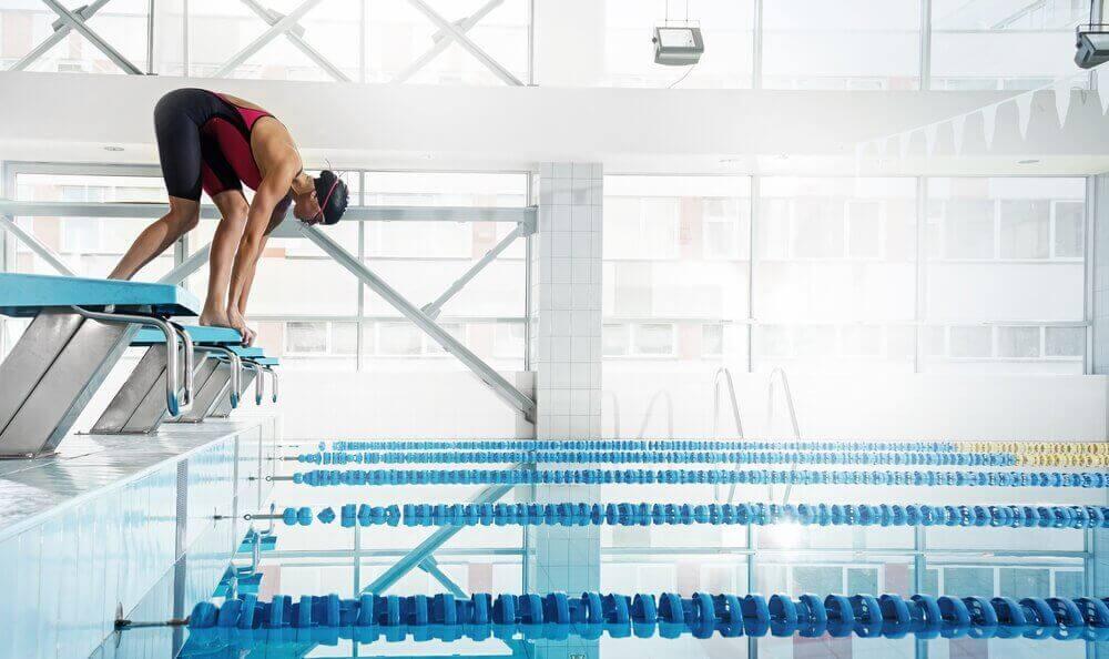 переваги плавання в басейні
