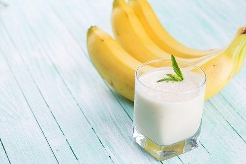 смузі на основі вівсянки та банана