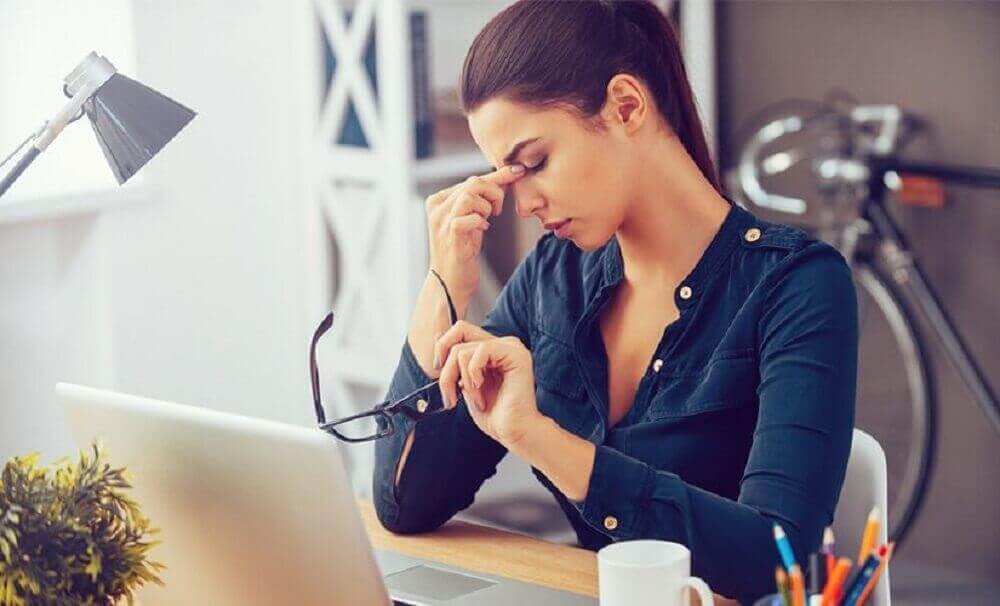 відчуття печіння в очах після роботи за комп'ютером