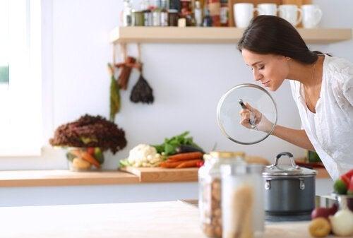 4 способи позбутися неприємного запаху з каналізації
