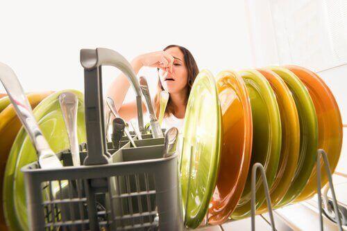 неприємний запах на кухні