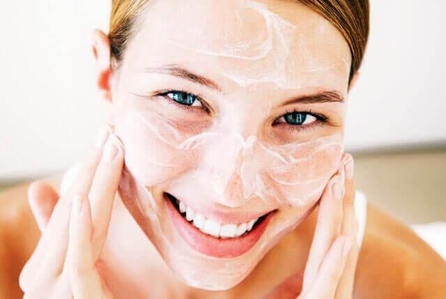 користуйтеся кремами в період менопаузи